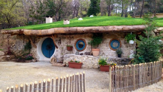 Entrée Tannière de Bilbo Cabanes du Varon
